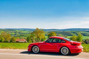 Porsche 911 Turbo in ländlicher Umgebung von Sjoerd van der Wal