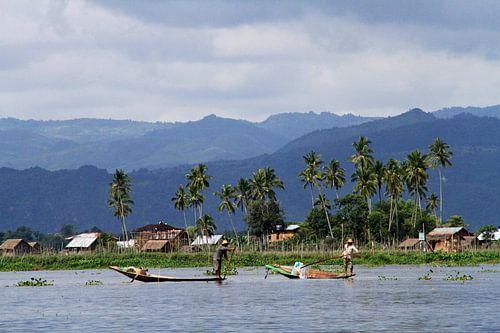 Vissers op het Inle meer van