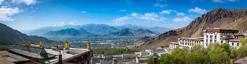 Uitzicht vanaf de Deprung Monastery, Tibet
