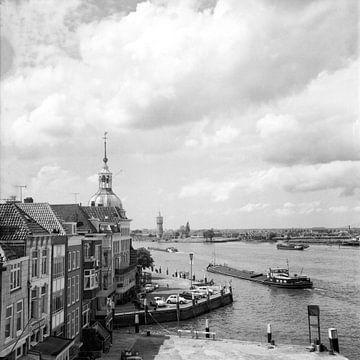 """Dordrecht Groothoofd hotel """"Bellevue""""vanaf de Merwedekade von"""