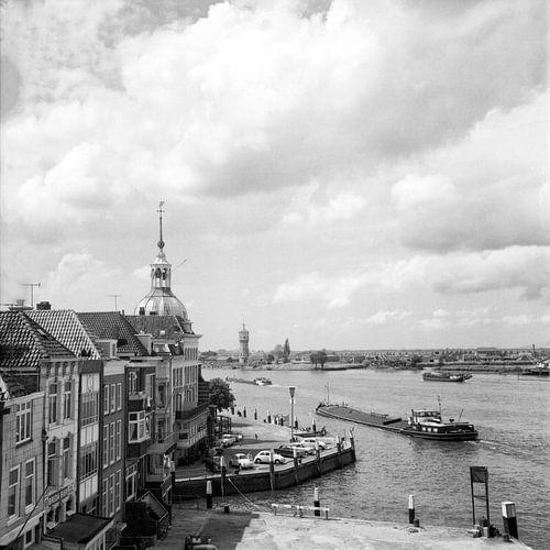 """Dordrecht Groothoofd hotel """"Bellevue""""vanaf de Merwedekade van"""