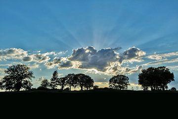 Zon door de wolken van Pierre Verhoeven