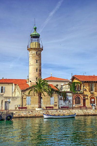 Lighthouse in the harbor of Le-Grau-du-Roi van 7Horses Photography