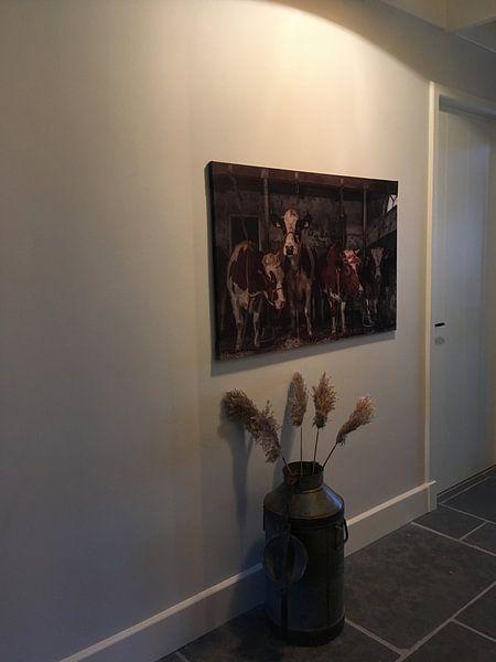 Klantfoto: Koeien in oude koeienstal van Inge Jansen, op print op doek
