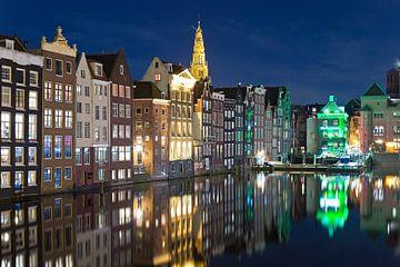 Photo de nuit des maisons de canal à Amsterdam sur Anton de Zeeuw