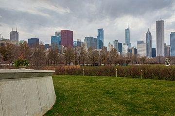 Ligne d'horizon de Chicago depuis la pelouse du Field Museum vue de jour avec des nuages dans le cie sur Mohamed Abdelrazek