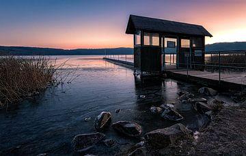 Winterochtend aan het meer van Laach van Markus Kaiser