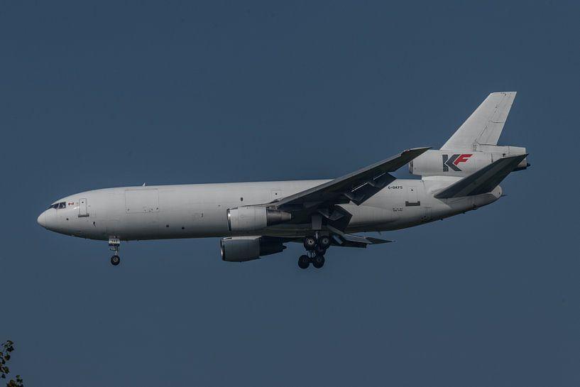 McDonnell Douglas DC-10, met registratie C-GKFD van het Canadese KF Cargo in de landing op de luchth van Jaap van den Berg