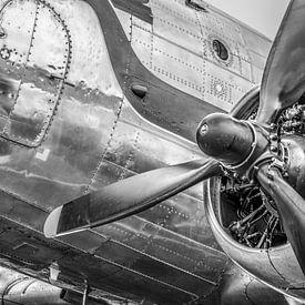 Vintage Douglas DC-3 Propellor Flugzeug bereit für den Start von Sjoerd van der Wal Fotografie