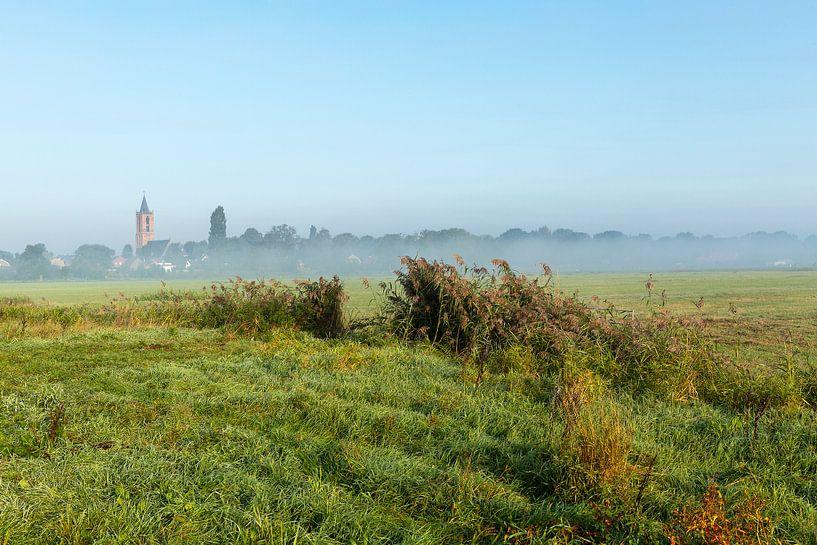 Nederlands polder landschap in de zomer. van Eyesmile Photography
