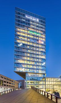 Iconic Kennedy Tour au crépuscule, centre-ville d'Eindhoven sur Tony Vingerhoets