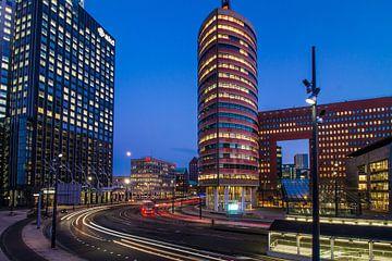Lighttrails in Rotterdam van Peter Hooijmeijer