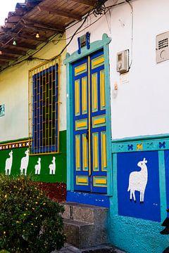 De kleurrijke deur van Guatapé