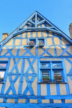 Blauw huis in Frankrijk van Dennis van de Water