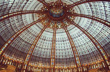 Gebrandschilderde ramen van de Galerij Lafayette in Parijs van Carolina Reina