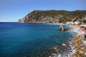 Toscaanse rots kust van Tom Van Dyck