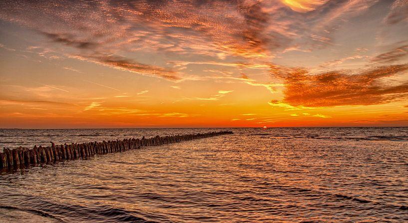 Hindeloopen zonsondergang van Renso Profijt