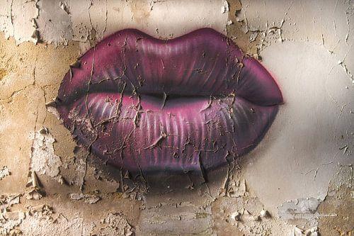 Give me a kiss! van