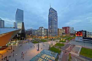 Centraal stationsplein en Kruisplein te Rotterdam van Anton de Zeeuw