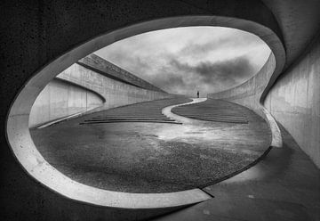 Architectonische vorm gebouw en trap van Marcel van Balken