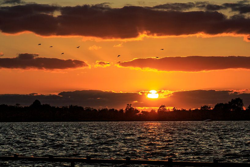 Loosdrechtseplassen zonsondergang / sunset van Dick Jeukens