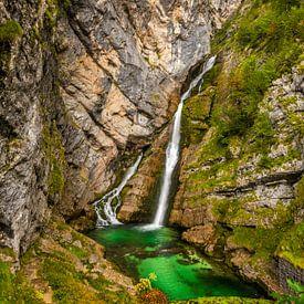 Savica waterval in Bohinj, Slovenië van Bert Beckers