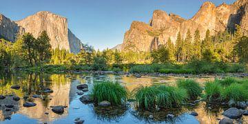 El Capitan spiegelt sich im Merced River, Yosemite-Nationalpark, Kalifornien, USA von Markus Lange