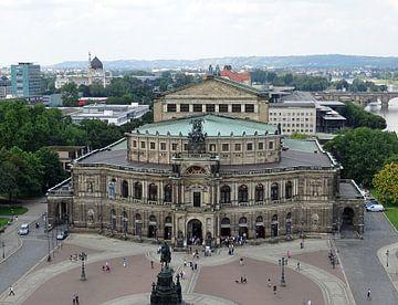 Zicht over Dresden met Semperoper van Tineke Laverman