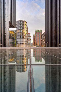 Réflexion dans le port médiatique de Düsseldorf sur Michael Valjak