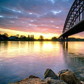 Oude IJsselbrug van Zwolle vanaf de waterkant van Fotografiecor .nl