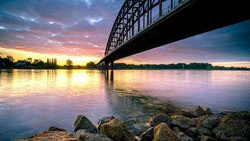 Oude IJsselbrug van Zwolle vanaf de waterkant