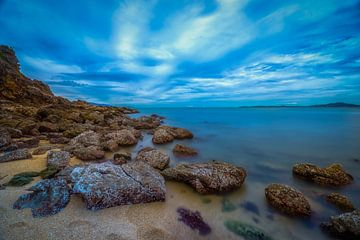 Rotsen strand Thailand van