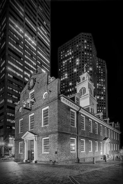 BOSTON Old State House at night   monochroom van Melanie Viola