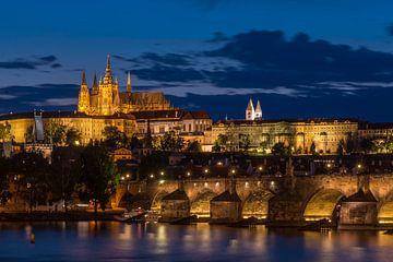Praag - Karelsbrug en Praagse burcht von Jack Koning