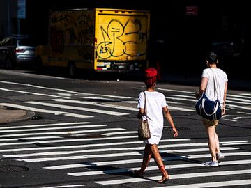 Vrouw met rood haar in New York van