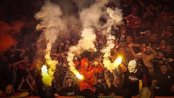 Ultras van CSKA Sofia tijdens de derby tegen Levski Sofia van Sander Wesdijk