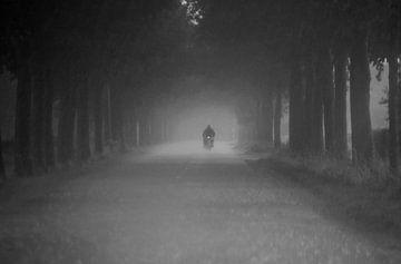 Motorradfahrer im regen  von Ipo Reinhold