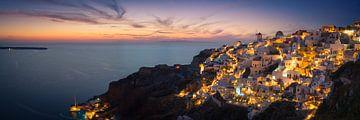 Panorama van de zonsondergang in Oia / Santorini von Edwin Mooijaart