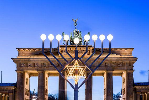 Brandenburger Tor en Chanoeka-kroonluchter