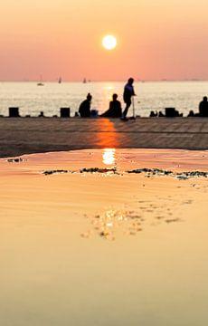 Zonsondergang in Malmö van hugo veldmeijer