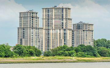 Hollandse architectuur langs de Maas in Rotterdam van Hamperium Photography