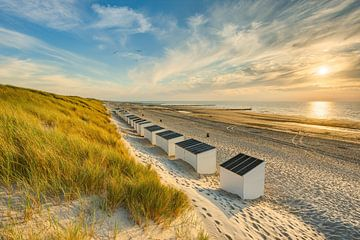 Strandhäuschen in Domburg von Michael Valjak