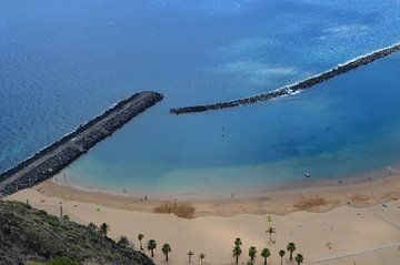 Tenerife's vlaggenschip Playa de Las Teresitas uit de hoogte van kanarischer Inselkrebs Heinz Steiner