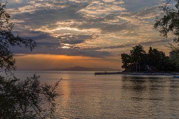 Schöne Sonnenuntergang in Griechenland von