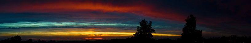 Panorama foto van een kleurrijke zonsondergang van Cynthia Hasenbos