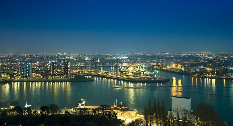 Panorama Rotterdam bei Nacht von Anouschka Hendriks