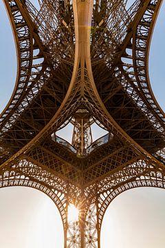 Eiffeltoren in Parijs bij zonsondergang van Werner Dieterich