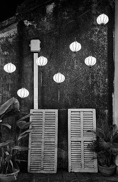 Laterne und Fensterläden von Graham Forrester