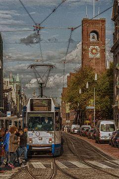 Tram stopt voor de mensen @ Amsterdam - NL van Elmar Marijn Roeper