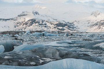 Matin dans le lagon d'un glacier, Islande sur Michiel Dros